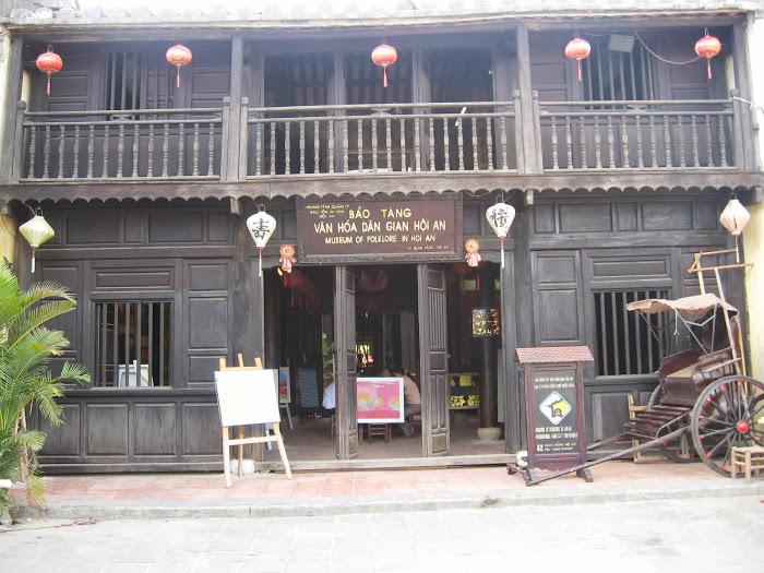 Bảo tàng Lịch sử Hội An cách villa 3,4km